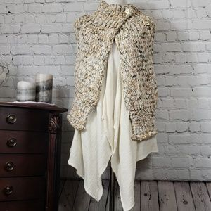 Knitted & Knotted vest with white Cardigan